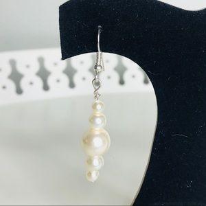Jewelry - 🎉5 for $25🎉 Pearl Earrings